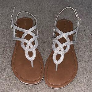 NIB Kelly & Katie Paisly white metallic sandals